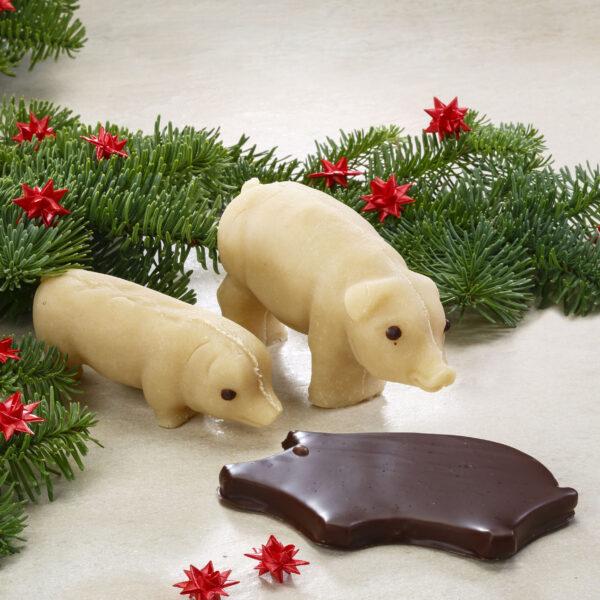 Marcipangrise chokoladeovertrukket
